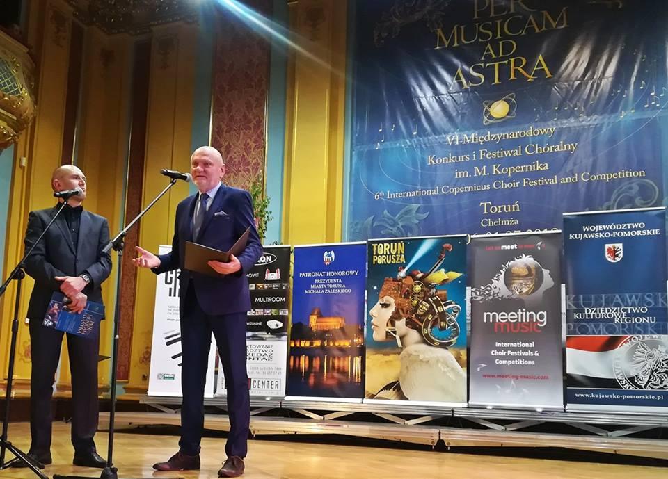 Ceremonie wrÖczania dyplom-w uŤwietnié Prezydent Zaleski